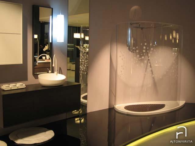 Ovális üveg zuhanyzó