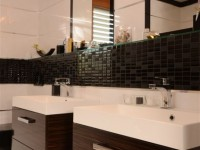 Ajtonyi Rita lakberendező belsőépítész referencia fotói | Merano és fekete - Modern wenge fürdő