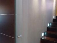 Ajtonyi Rita lakberendező belsőépítész referencia fotói | Merano és fekete - Modern közlekedő