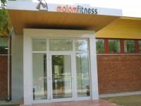 Ajtonyi Rita lakberendező belsőépítész referencia fotói | Malom fitness - Bejárat