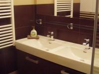 Ajtonyi Rita lakberendező belsőépítész referencia fotói | Viva lakópark - Modern fürdő