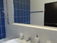 Ajtonyi Rita lakberendező belsőépítész referencia fotói | Marina parti lakás - Modern mosdó