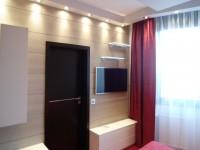 Ajtonyi Rita lakberendező belsőépítész referencia fotói | Marina parti lakás - Modern Wenge ajtó