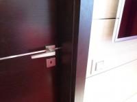 Ajtonyi Rita lakberendező belsőépítész referencia fotói | Marina parti lakás - Wenge beltéri ajtó